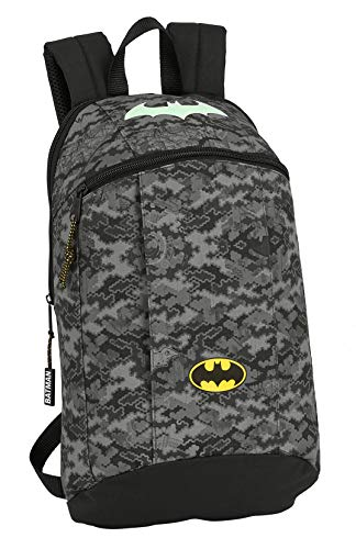 Safta 612004821 Mini Mochila Safta de Uso Diario de Batman Night, 220x100x390mm