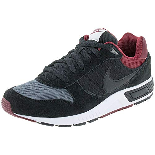 Nike Nightgazer, Zapatillas de Deporte para Hombre, Multicolor (Black/Black/Dark Grey/Team Red 022), 43 EU