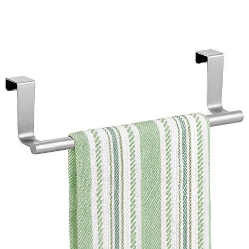 mDesign Handtuchhalter ohne Bohren montierbar – Handtuchhalter Küche – einfach über Küchen- & Schranktür einzuhängen – praktischer Geschirrtuchhalter aus Metall – silberfarben