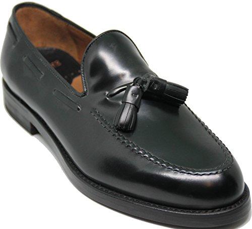5623.LOTTUSSE. Zapato mocasín con borlas;Piel de máxima Calidad,Color Negro.