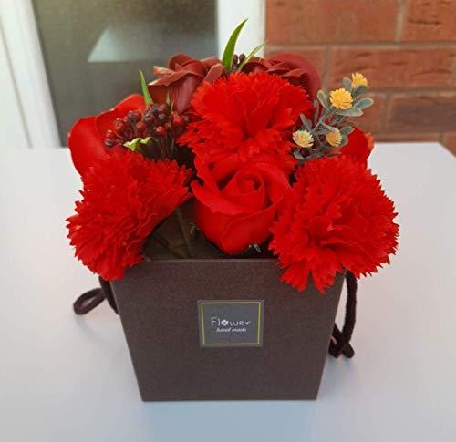 Roses Rouge Et Oeillets Savons Bouquet De Fleurs