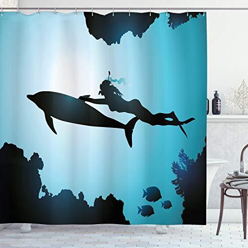 ABAKUHAUS Delphin Duschvorhang, Taucher-Mädchen mit Delphin, mit 12 Ringe Set Wasserdicht Stielvoll Modern Farbfest und Schimmel Resistent, 175x200 cm, Hellblau Schwarz