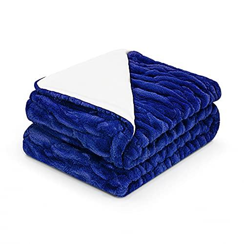 Tafts Überwurfdecken – Gerüschte Kunstfelldecke weich, ultra bequem & flauschig Plüschdecken Überwürfe für Couch, Bett und Wohnzimmer Herbst, Winter oder Frühling Decken Überwurfgröße Marineblau