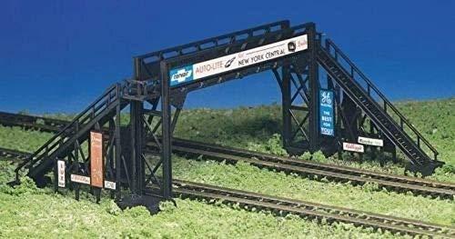 Bachmann Trains - PLASTICVILLE U.S.A. BUILDINGS – CLASSIC KITS - PEDESTRIAN BRIDGE - HO Scale
