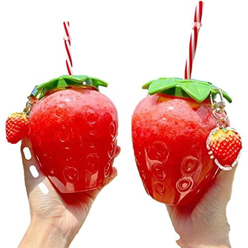 CIVIKY Paquete de 2 tazas de plástico de fresa con pajita portátil linda botella de agua regalos de cumpleaños para mujeres y niñas (colgante de paja)