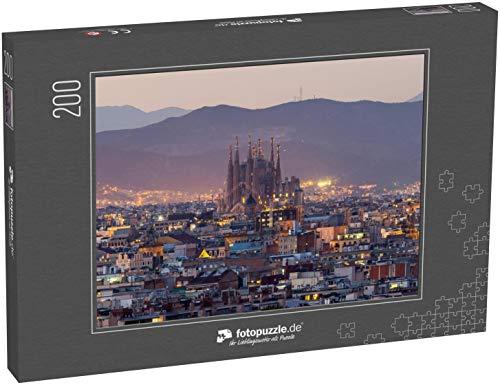 Puzzle 200 Teile Sagrada Familia Skyline bei Dämmerung Barcelona City, Spanien - Klassische Puzzle, 1000 / 200 / 2000 Teile, edle Motiv-Schachtel, Fotopuzzle-Kollektion 'Kirche'