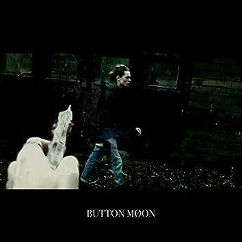 BUTTON MØON