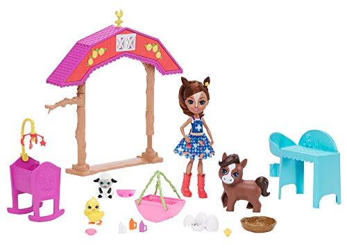 Oferta de Enchantimals GJX23 Barnyard Nursery PLAYSET with HAYDIE Horse Doll & Trotter, Multi