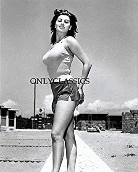 OnlyClassics Young Sexy Actress Sophia Loren 8X10 Photo Curvy Busty Pinup Cheesecake Beauty