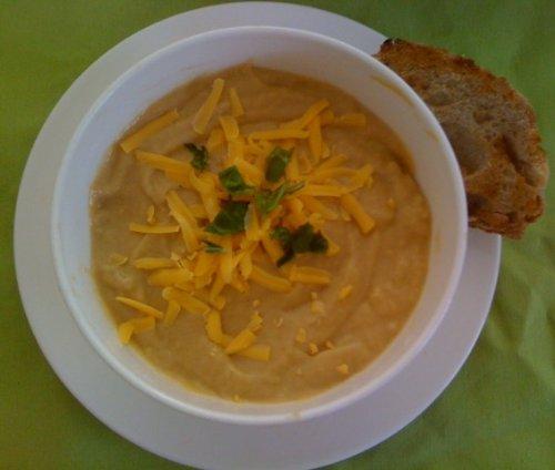 Vitamix Rich and Creamy Vegan Baked Potato Soup Recipe (Vitamix Vegan Soup Recipes Book 2) (English Edition)