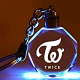 Photo de Saicowordist KPOP BTS EXO GOT7 BLACKPINK TWICE SEVENTEEN Créatif Pendentif Cristal Transparent Clés Clés Clés Clés Brief Porte-Clés Cadeau Chaud pour les fans Twice