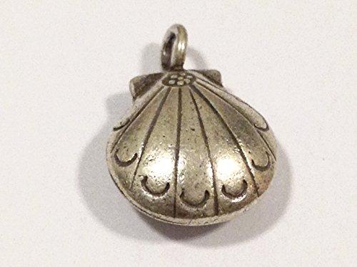 Karen Hill Tribe Silver Shell Charm, 15 mm. Weight: 2.30 Grams.