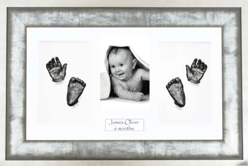 Anika-Baby Kit de moulage pour bébé Cadre 4 ouvertures Métal urbain Passe-partout blanc/fond blanc/peinture étain 36,8 x 21,6 cm