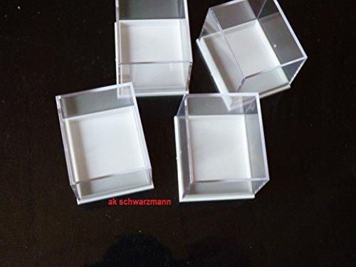 ak-schwarzmann 4 Plexiglas Acrylglas Vitrinen - Cubes - DOSEN für Modellautos, Mineralien,Fosilien, Ü-Ei Figuren und vieles mehr. Weißer Boden, farbloser, klarer Deckel, 50 x 50 x 55 mm