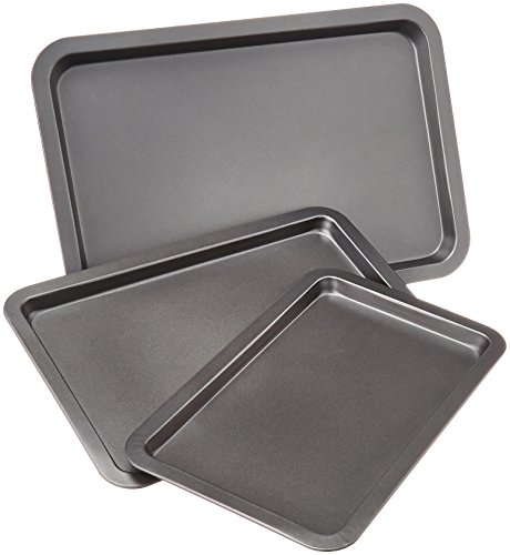 AmazonBasics 3-Piece Baking Sheet Set