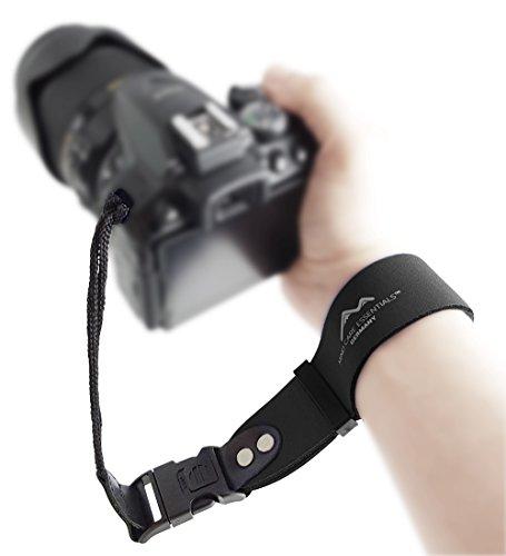 Neopren Kamera-Handschlaufe EXTRA BREIT - klick-Verschluss MIT SPERRE - schwarz - ECHT Leder Verbindungsteile DSLR Kompakt-Kamera Kameraschlaufe Handgelenk-Schlaufe Trageschlaufe MIND CARE ESSENTIALS