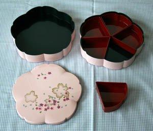 紀州漆器桜型2段オードブル重箱ピンク仕切りシール中蓋付き
