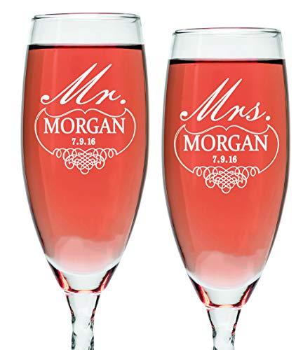 Set of 2 Personalized Wedding Champagne Flutes- Mr and Mrs Design – Engraved Flutes for Bride and Groom Gift for Customized Wedding Gift
