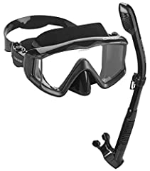 A great equipment ready to use to enjoy snorkeling or scuba diving without any trouble. The panoramic masks have been designed to give you great visibility, fit, durability, and comfort. Mask made of hypoallergenic soft silicone to ensure a perfect s...