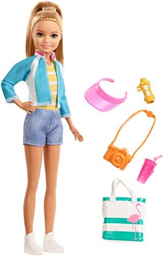 Barbie Voyage poupée Stacie aux cheveux blonds avec 5accessoires dont un appareil photo et un sac à dos, jouet pour enfant, FWV16