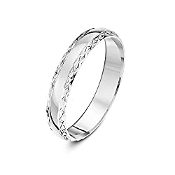 Solid 9 ct gold (375 hallmark) ring, handmade using pure fine gold Manufactured in London (UK), patterns are created by skilled diamond cutters using a diamond cut edge machine Highly polished finish ensures a mirror-like shine Heavy D shape - A term...