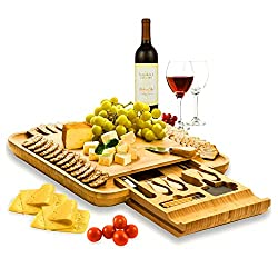 Bamboo Cheese Board with Cutlery Set by Bambüsi