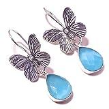 Pendientes colgantes hechos a mano con forma de pera de calcedonia azul, chapados en plata, con forma de mariposa