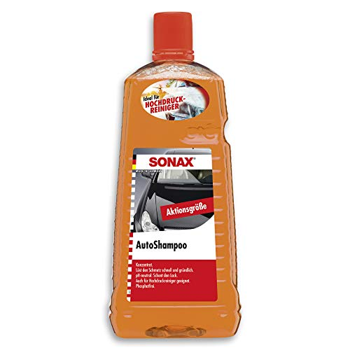 SONAX AutoShampoo Konzentrat (2 Liter) durchdringt und löstr Schmutz gründlich, ohne Angreifen der Wachs-Schutzschicht | Art-Nr. 03145410