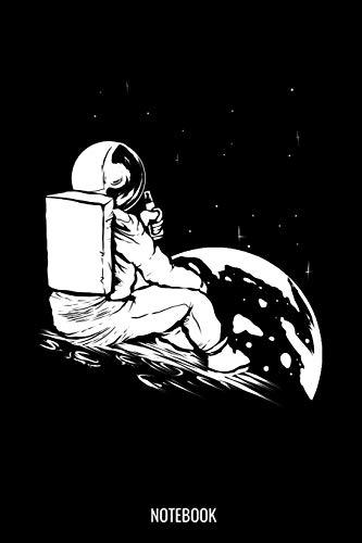 Notebook: Dotted Notizbuch mit Punkteraster A5 - Astronaut Notizbuch I Raumfahrer Trinkt Bier Mond Weltraum Weltall Kosmonaut Taikonaut Geschenk