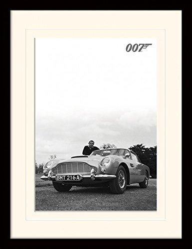 1art1 102538 James Bond 007 - Sean Connery. Aston Martin DB5 - Stampa incorniciata, Motivo per i Fan e i Collezionisti, 40 x 30 cm