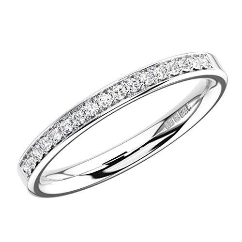 Anillo de eternidad con diamantes redondos de corte brillante de 0,20 quilates, oro blanco de 9 quilates.
