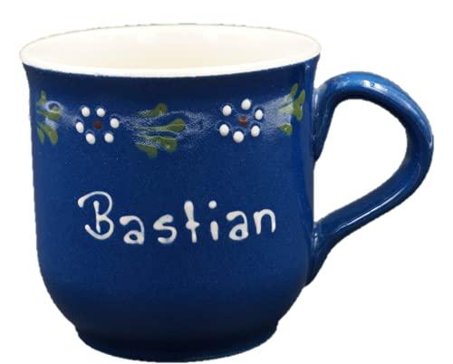 Carstens Keramik® Namenstasse Bunzlau Blau Blumenkante, hangefertigt und bemalt, 280 ml, Tasse mit Wunschnamen