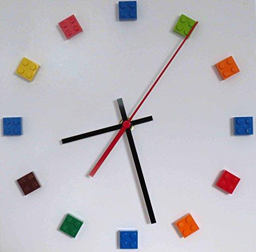 haus_im_wald Quartz Wanduhr mit Bausteinen, kompatibel mit Lego