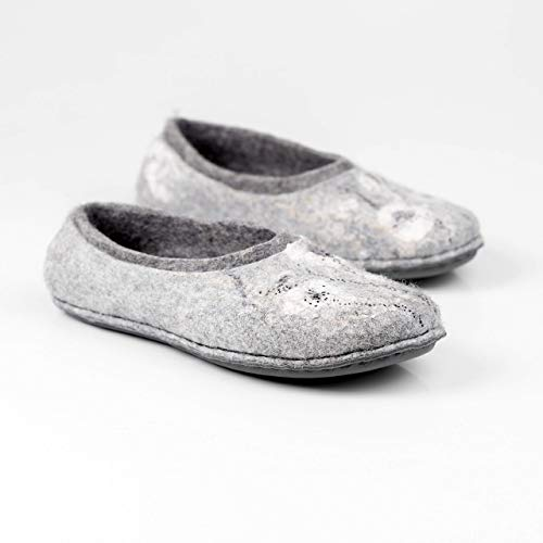 Gray felted wool slippers with flowers decoration Handmade warm woolen home shoes for women