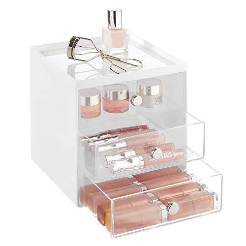 mDesign Organizador de maquillaje – Cajas de belleza con 3 cajones para sombra de ojos, labiales y más – Cajonera de plástico para organizar maquillaje en el baño – blanco/transparente