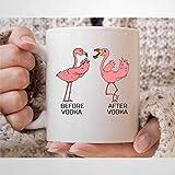 Taza de café con texto en inglés «Before After Vodka» (325 ml), diseño de flamencos y vodka