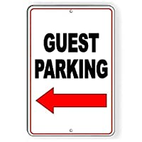 ゲストの駐車場の矢印左金属訪問者のクラブは駐車禁止