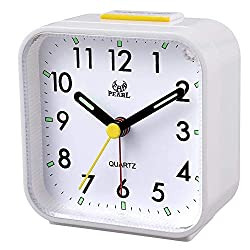 OCEST Small Battery Operated Analog Alarm Clock, Gentle Wake, Non Ticking Analog Alarm Clock for Bedroom with Snooze and Night Light Functions, Easy Set (Best for Elder)