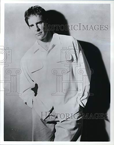 Undated Press Photo Scott Bakula Executive Producer and star of Mr. & Mrs. Smith - 10.25 x 8 in. - Historic Images