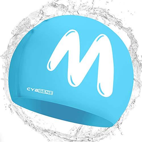 CybGene Gorra de natación unisex de silicona con inicial para mujeres, hombres y niños, gorro de natación de invierno sin costuras para cabello corto, talla azul y M (10 años)