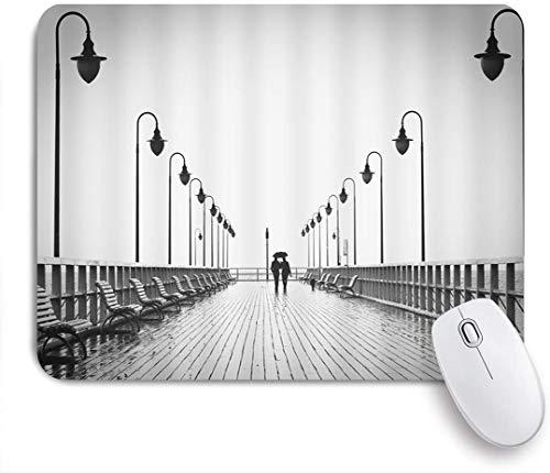 MUYIXUAN Mauspad - Brücke Regenschirm Paar Silhouette Bank Street Light Grey - Gaming und Office rutschfeste Gummibasis Mauspads,240×200×3mm