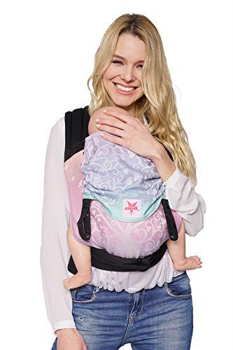 Babytrage: KOKADI® TaiTai - Marie im Wunderland - Toddler für Neugeborene & Kleinkinder von 7 bis 20 kg ✓ Ergonomisch ✓ Mitwachsend ✓ Bio-Baumwolle ✓ GRATIS Transportbeutel