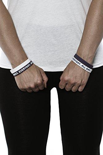 Aura Design Armband für Damen & Herren | Ultra Violett & Weiß | Good Vibes. Everyday, All Day. | Sportarmband | Silikonarmband | Fitness Armband | 4 Armbänder