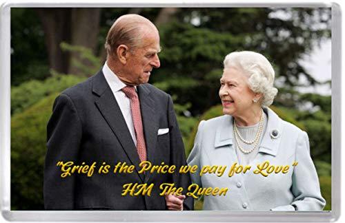'El duelo es el precio que pagamos por el amor' una cita conmovedora de HM The Queen que muestra una foto de Su Majestad la Reina y el Príncipe Felipe. Imán para nevera.