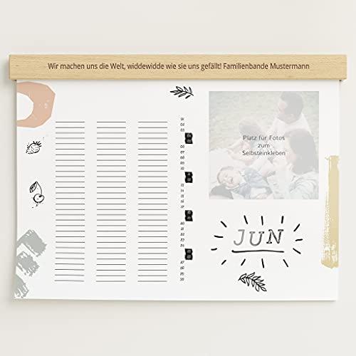 sendmoments Familienkalender 2022 gestalten mit personalisierter Holzblende & Relieflack, Bunte Saison, Bastelkalender mit 3 Spalten, Spiralbindung, DIN A3 Querformat