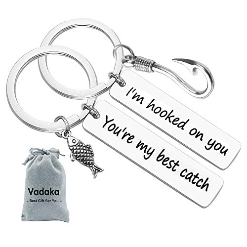 Couple Keychain I'm Hooked on You You're My Best Catch Keychain Set Fisherman Gift Fishing Lure Jewelry Couple Gift for Lovers Boyfriend Girlfriend(2 Pack)