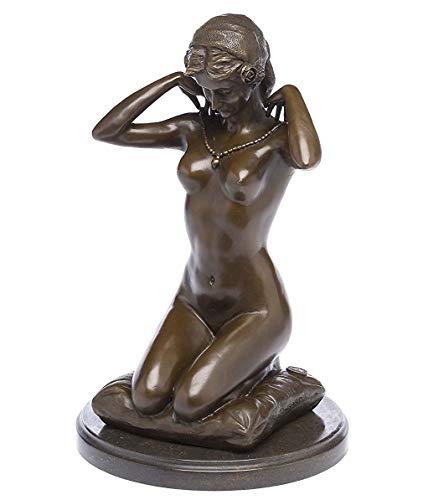 style antique Statuette de femme nue sur tabouret de bar bronze