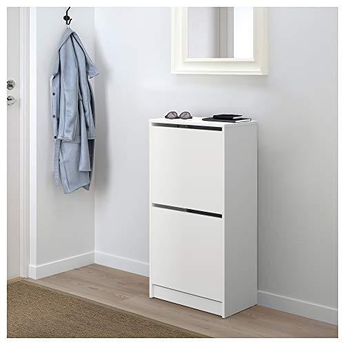 靴を8足収めることができる十分な収納力ながら、扉を閉めた状態はシンプルでとってもコンパクト。靴のごちゃごちゃ感を隠しつつ、玄関をスッキリとした印象にしてくれます。