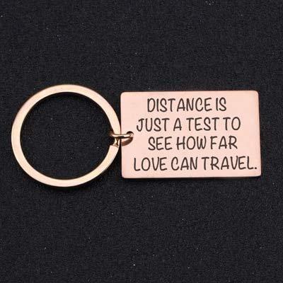 MEIHEK Schlüsselbund Gravierte Entfernung ist nur EIN Test, um zu sehen, wie weit Liebe Reisen kann Schlüsselbund für Freunde Fernbeziehung Beziehung Schmuck stieg