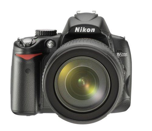 Nikon D5000 SLR-Digitalkamera (12 Megapixel, Live-View, HD-Videofunktion) Kit inkl. 18-105mm 1:3,5-5,6G VR Objektiv (bildstab.)